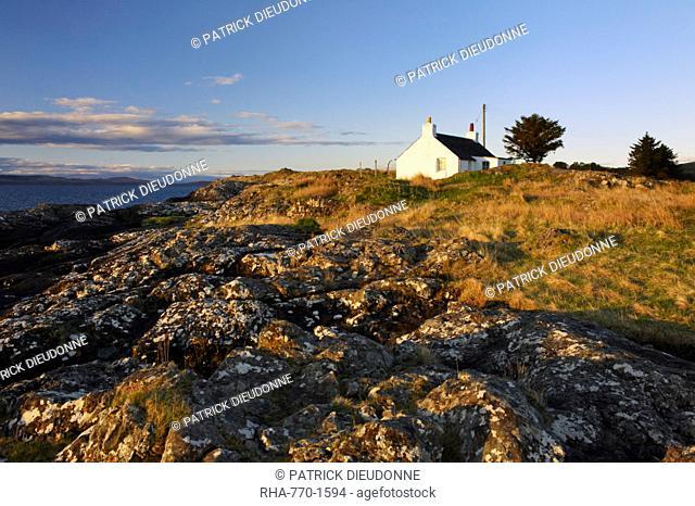 Cottage on the east coast of Mull, Isle of Mull, Inner Hebrides, Scotland, United Kingdom, Europe
