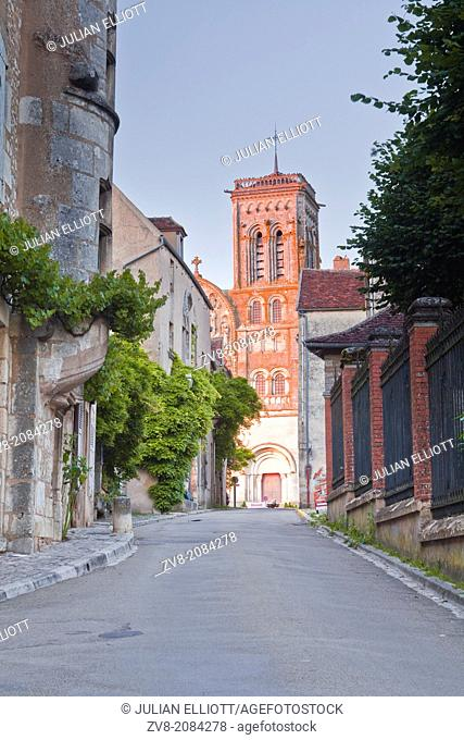 Basilique Sainte-Marie-Madeleine in the village of Burgundy