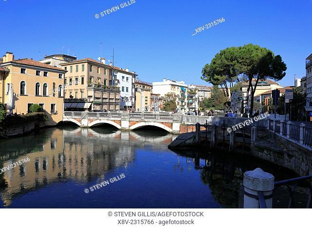 Bridge over River Sile, Riviera Santa Margherita, Treviso, Italy, Veneto