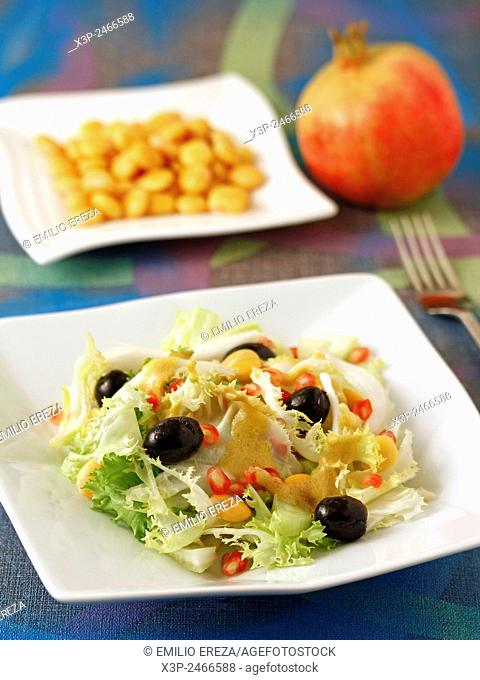 Salad with pomegranate and lupins