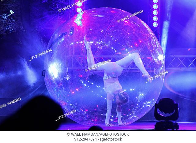 sphere act show