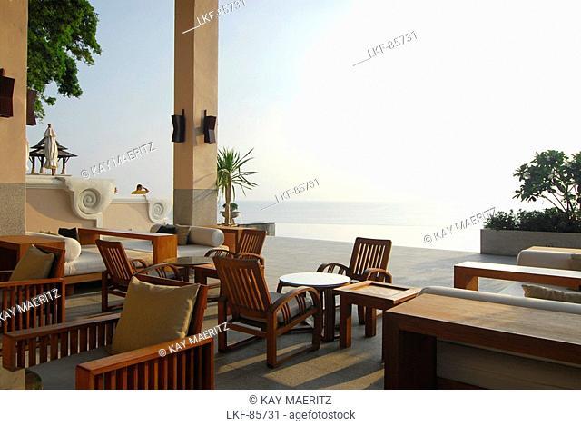 Pool bar with view to the sea, Hotel Pimalai, Ao Kantiang, Ko Lanta, Krabi, Thailand