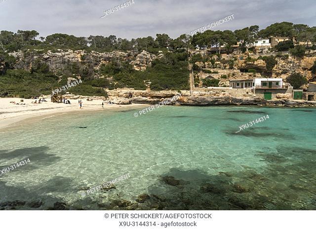 Fischerhütten an der Küste, Cala Llombards bei Santanyí, Mallorca, Balearen, Spanien, Europa   Fishing cabins on the coast, Cala Llombards near Santanyí
