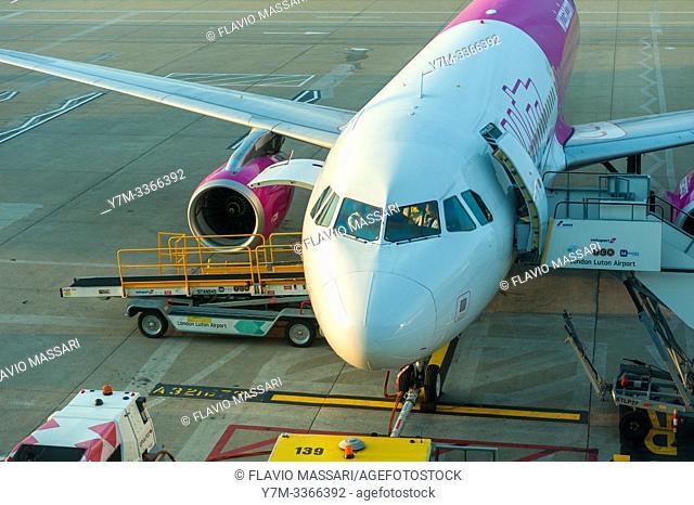 Airbus A321-231 Wizzair G-WUKK
