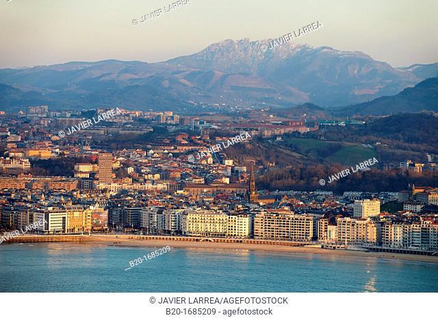 La Concha Bay, Peñas de Aia, View from Mount Igeldo, Donostia, San Sebastian, Gipuzkoa, Basque Country, Spain
