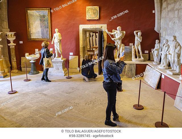 Colección Despuig de escultura clásica, castillo de Bellver, Museo de Historia de la ciudad de Palma, siglo XIV, estilo gótico, Mallorca, balearic islands