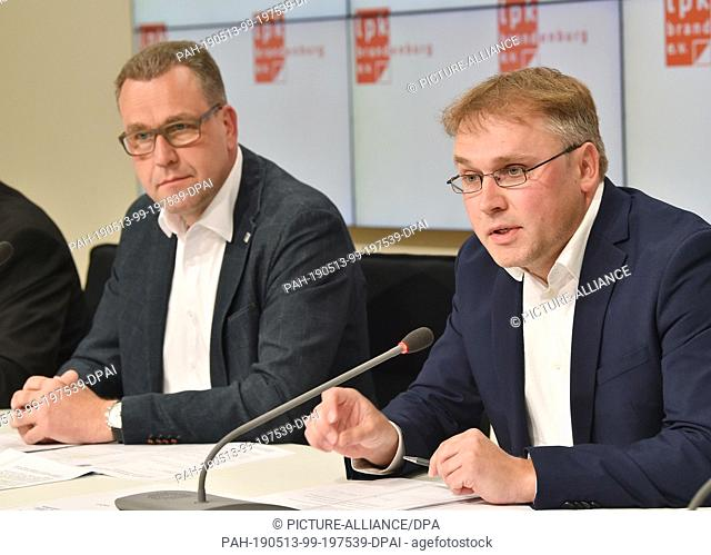 13 May 2019, Brandenburg, Potsdam: Rainer Genilke (CDU , l) and Matthias Löhr (Die Linke, r.), members of the state parliament