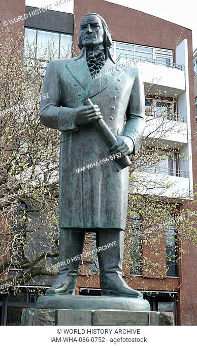 Statue of Skúli Magnusson (1711-1794) an Icelandic Landfógeti by Gudmundur Einarsson (1895-1963) an Icelandic illustrator, graphic artist, painter, sculptor