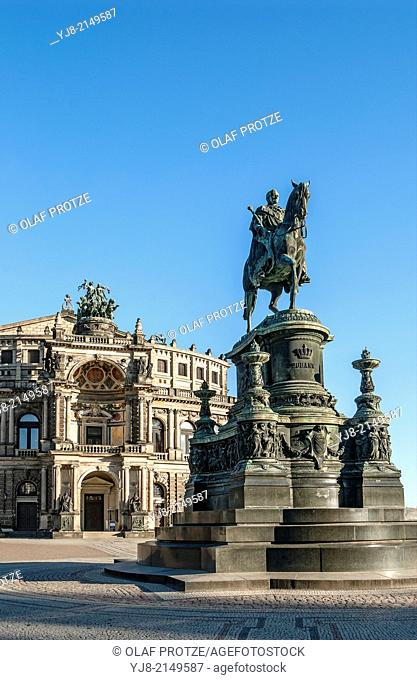 Semper Opera in the old town of Dresden, Saxony, Germany