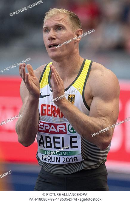 07.08.2018, Berlin: Athletics: European Championships in the Olympic Stadium, Decathlon 100m, Men. Arthur Abele from Germany applauds to the finish