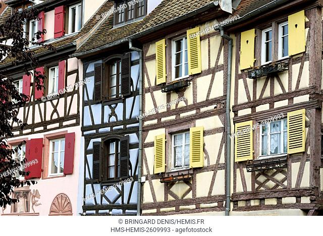France, Haut Rhin, Colmar, Petite Venise, quai de la Poissonnerie, timbered houses