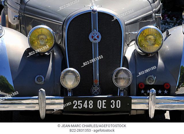 Meeting of old classic cars, Le Nayrac, North-Aveyron, Midi-Pyrénées, Occitanie, France