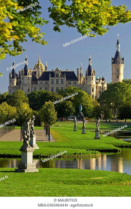 Schwerin Castle, Schwerin (capital), Mecklenburg-Western Pomerania, Germany
