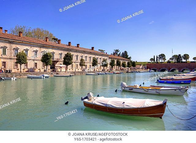 Peschiera del Garda, Verona, Veneto, Lake Garda, Mincio, Italy