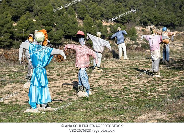 Scarecrows near Vallbona, Catalonia (Spain)