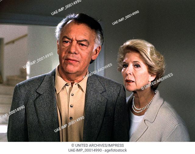 DERRICK: Verlorener Platz, D 1996, Regie: Alfred Weidenmann, KLAUSJÜRGEN WUSSOW, CHRISTIANE HÖRBIGER