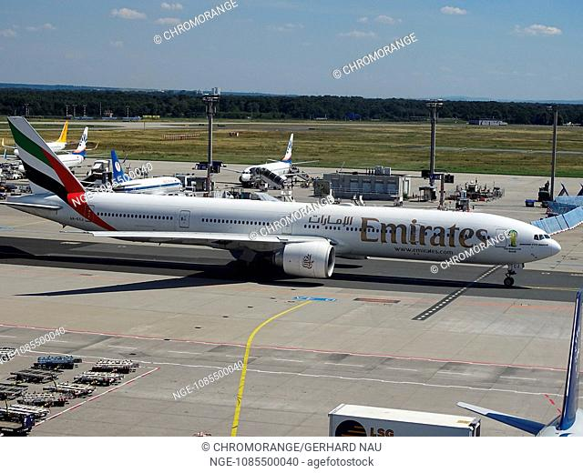 Airport Frankfurt Germany Aircraft Boeing 777-300