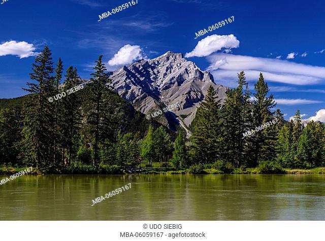 Canada, Alberta, Banff National Park, Banff, Bow River to Cascade Mountain