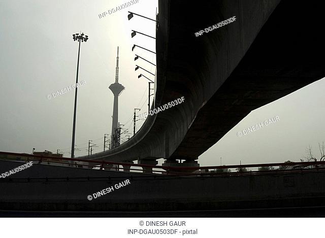 Metro rail corridor
