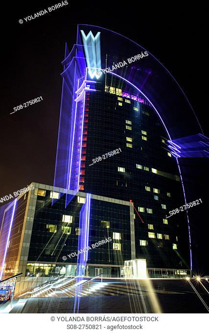 The W Barcelona hotel, also popularly known as Hotel Vela (Sail Hotel), It is a building that reaches a height of 99 m although its planned initial height was...