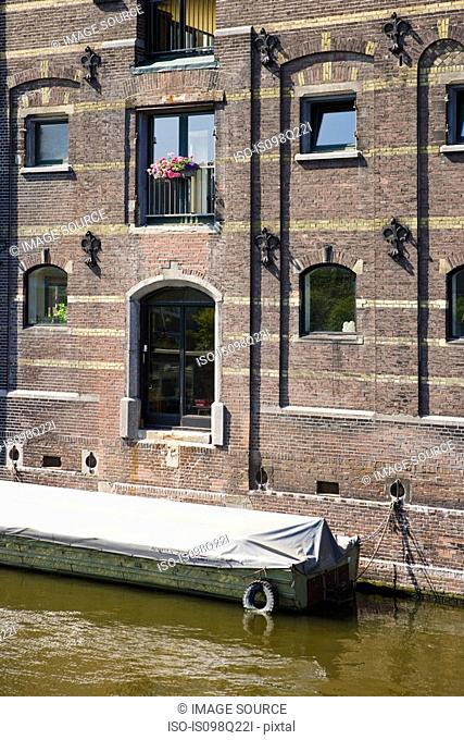 Building and canal in amsterdam