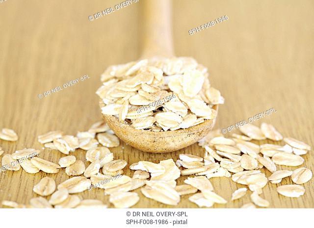 Whole rolled oats (Avena sativa)