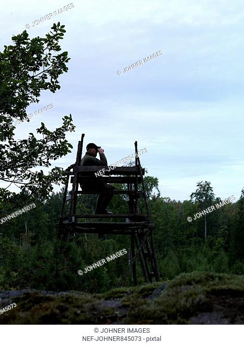 Sportsman waiting in a tower, Sweden