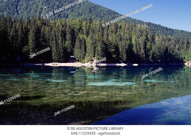 Fusine Lower Lake (Weissenfelser See-Belopeska jezera), Fusine Lakes national park, Julian Alps, Friuli-Venezia Giulia, Italy