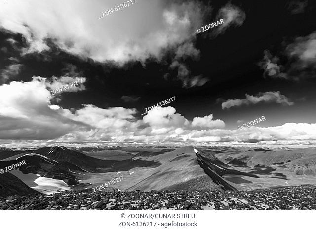 Ballinvaggi and Gaskariehppi valley, Abisko alps