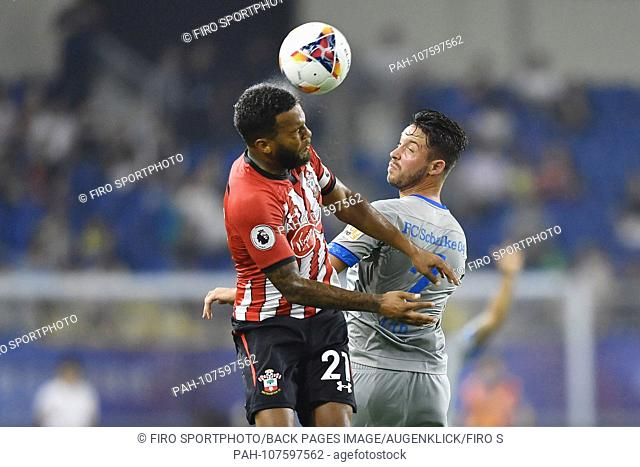firo football: Test match: China trip Schalke 04 05.07.2018 Schalke - Southampton duels, Mark Uth of FC Schalke 04, right