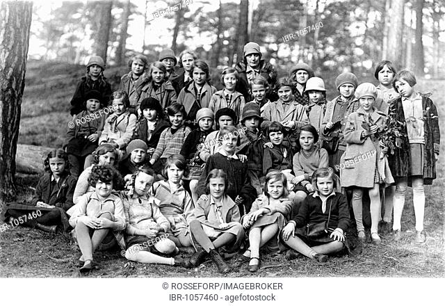 Historic photograph, school class, around 1925