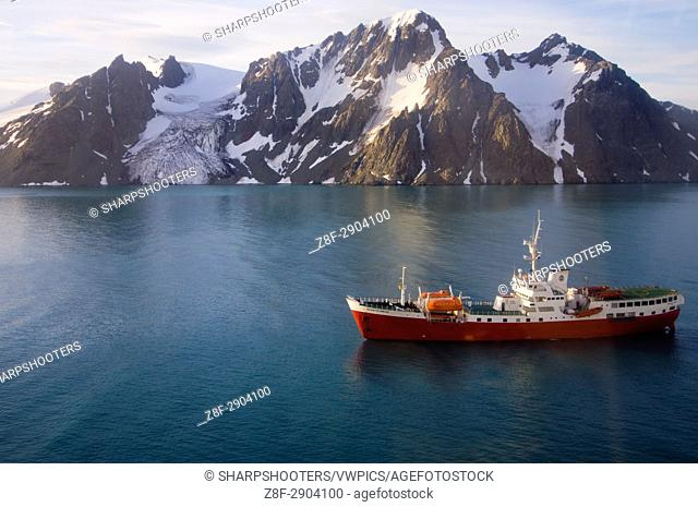 Antarctica, South Shetland Islands, Livingston Island, False Bay, Helicopter flight on Huntress Glacier. Antarctic Dream ship