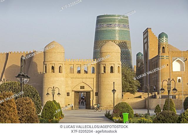 West Gate or Ota Darvoza, and Kalta Minor minaret, Khiva, Uzbekistan