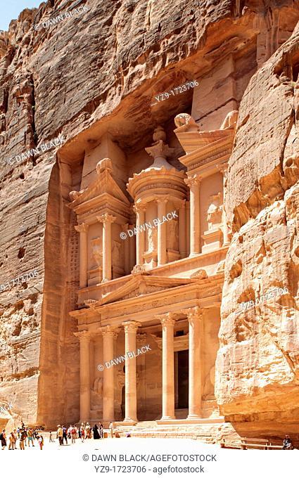 The Treasury Khaznat el-Faroun, Petra, Jordan