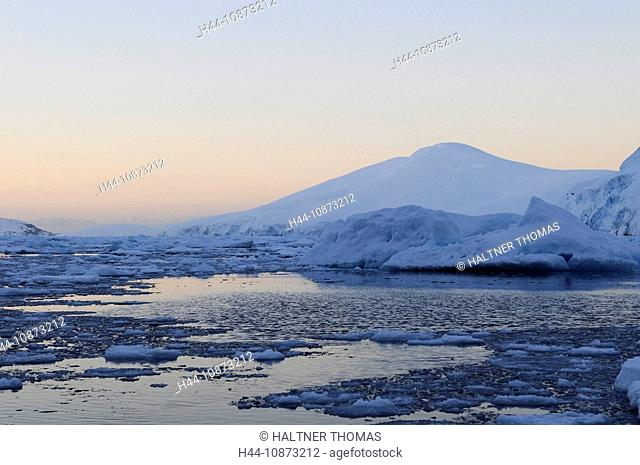 Antarctica,Antarctic,Antarctica,Lemaire channel,Lemaire,canal,channel,ice,drift ice,glacier