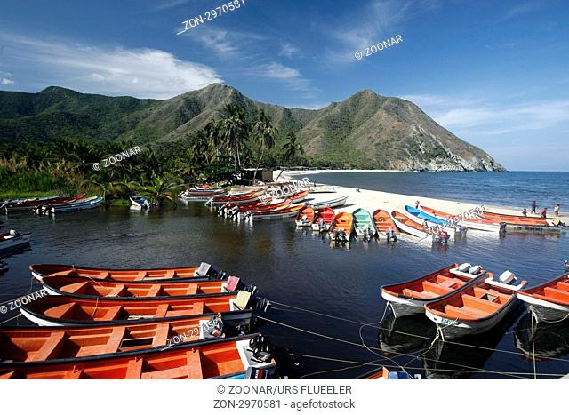 Suedamerika, Karibik, Venezuela, Nord, Chuao, National Park Hanri Pittier, Dorf, Cacao Dorf, Kakao Dorf, Strand, Beach, Fischerdorf, Fischerhafen, Boot