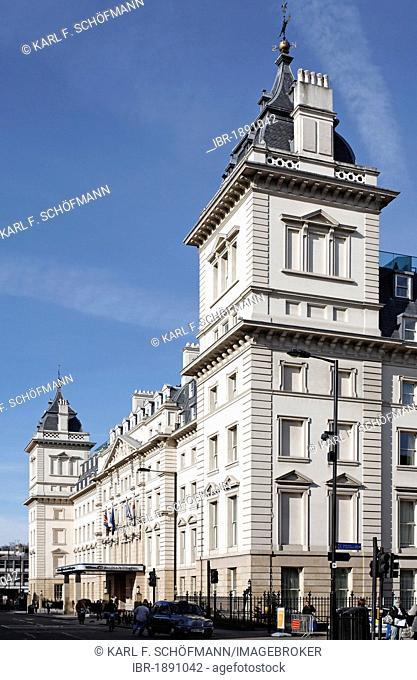 Historic facade, entrance Hilton Hotel, London Paddington station, London, England, United Kingdom, Europe