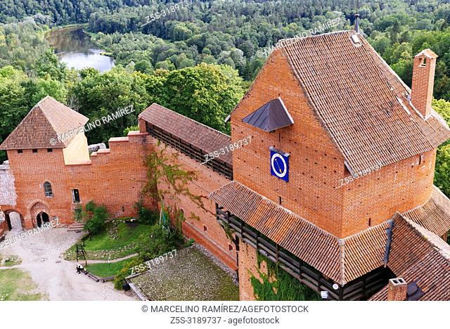 The courtyard of the castle of Turadia seen from above, Turaida Museum Reserve, Sigulda, Latvia, Baltic states, Europe
