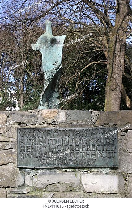 Sculpture on wall, St. Stephens Green Park, Statue, Dublin, Republic of Ireland