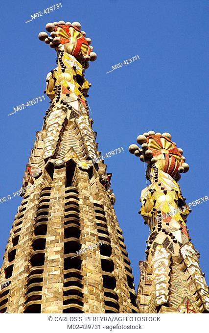 Bell towers of the Sagrada Familia, Church of the Holy Family (Gaudí, 1883-...). Barcelona. Spain