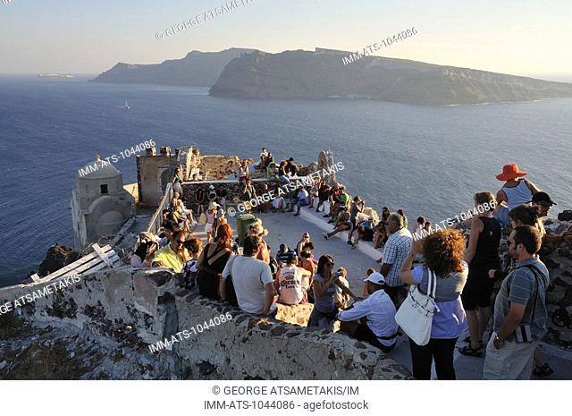 Oia, waiting for the famous sunset. Oia, Santorini, Cyclades, Greece, Europe