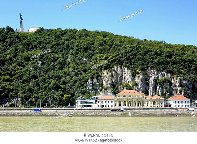 UNGARN, BUDAPEST, 02.07.2018, Hungary, Central Hungary, Budapest, Danube, Capital City, Gellert Hill with Liberty Monument in Buda