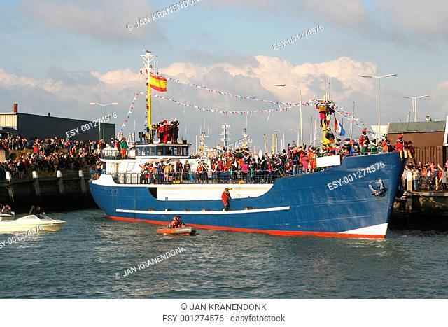 Santa Claus arrives in Holland