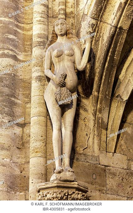 Eva, stone figure from the 16th century, Halberstadt Cathedral or Church of St. Stephen and St. Sixtus, Halberstadt, Saxony-Anhalt, Germany