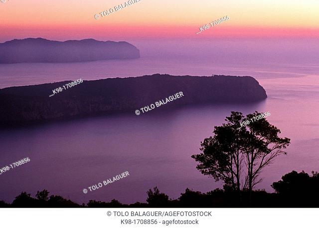 Cap des Pinar and Cap de Formentor, Alcudia bay at dawn, Majorca, Balearic Islands, Spain