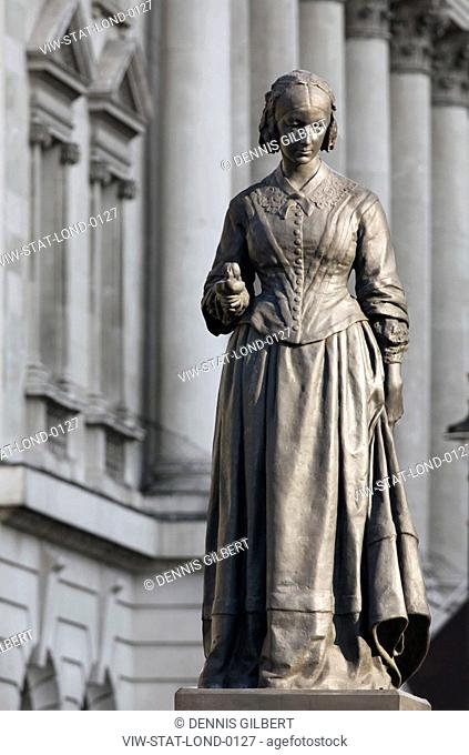 THE STATUES OF LONDON BOOK FLORENCE NIGHTINGALE BY ARTHUR WALKER 1861-1939 MATERIAL BRONZE UNVEILED 1915 LOCATION WATERLOO PLACE, SW1