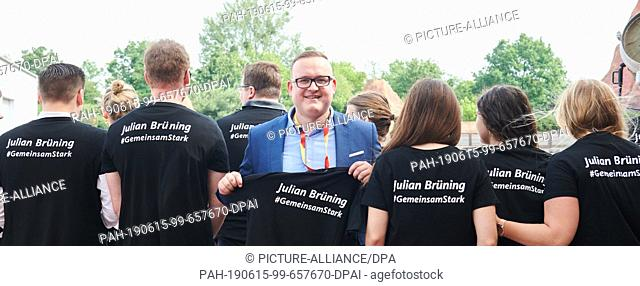 dpatop - 15 June 2019, Berlin: Julian Brüning (CDU), state chairman of the Junge Union, and his party friends come to the Brandenburg state representative...