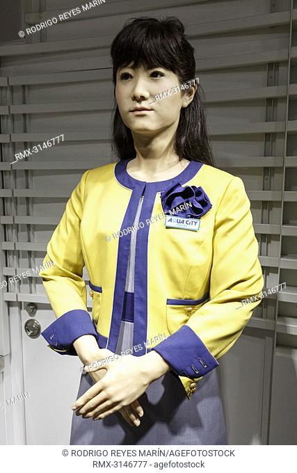 September 26, 2018, Tokyo, Japan - Humanoid robot Junko Chihira works at an information center at Aqua City Odaiba. Toshiba Corp