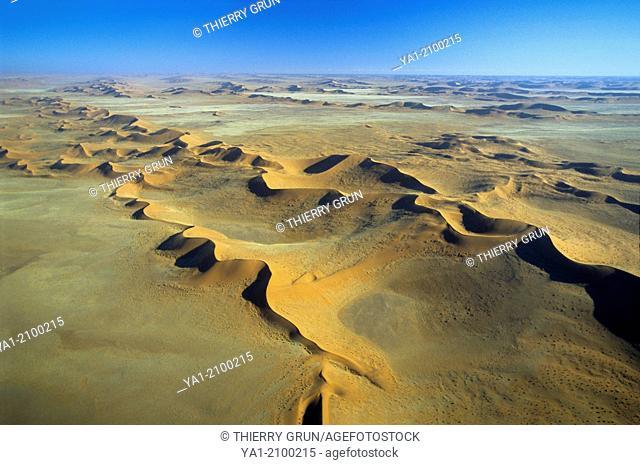Aerial view of dunes, south of Kuiseb river, Namib-Naukluft NP, Namibia, Africa