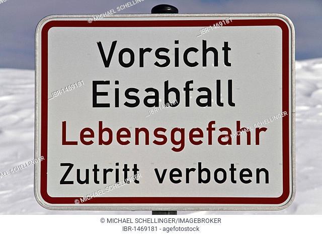 Warning sign, 'Vorsicht Eisabfall', German for 'falling ice', Mt Feldberg, southern Black Forest, Breisgau-Hochschwarzwald district, Baden-Wuerttemberg, Germany